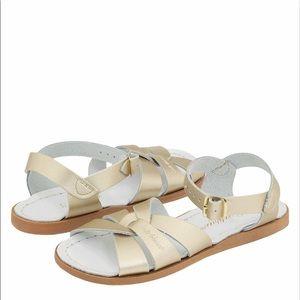 Salt Water girl's gold sandal SZ 1
